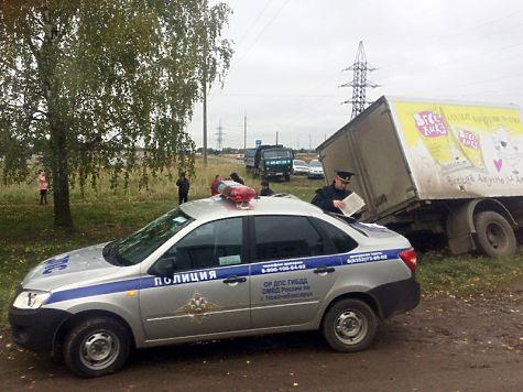 ВНовочебоксарске шофёр легковушки врезался вдерево и умер