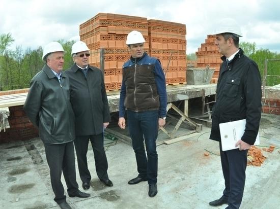 В Чебоксарах девятиэтажку на Богданке достроят в августе