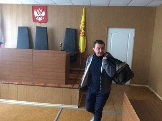 В Чебоксарах сподвижник Навального пропагандировал запрещенные организации. Московский районный суд Чебоксар вынес обвинительный приговор