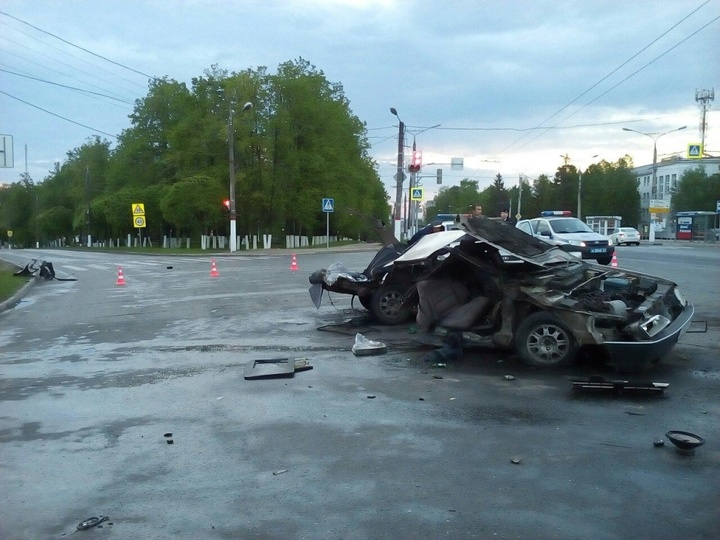 Госавтоинспекция раскрыла детали смертоносного ДТП наМосковском проспекте