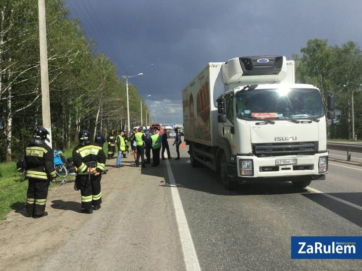 Фургон сбил колонну велосипедистов, ехавших изЙошкар-Олы