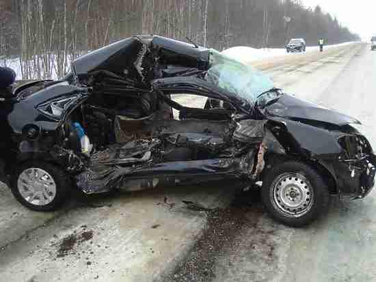 В Чувашии 25-летний водитель погиб при столкновении с грузовиком